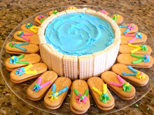 Round Flip Flop Pool Cake with Deck Chairs